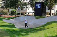 Shane Lowry (IRL) playing out of a bunker at the 11th green during the preview for the DP World Tour Championship at the Earth course,  Jumeirah Golf Estates in Dubai, UAE,  18/11/2015.<br /> Picture: Golffile | Thos Caffrey<br /> <br /> All photo usage must carry mandatory copyright credit (© Golffile | Thos Caffrey)