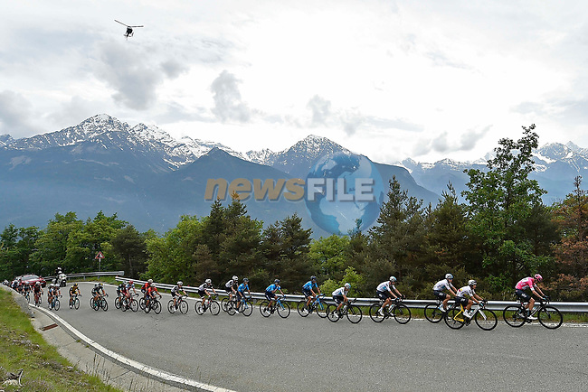 The remainder of the peleton in action during Stage 20 of the 2018 Giro d'Italia, running 214km from Susa to Cervinia is the final mountain stage, with the last three climbs of Giro 101 deciding the GC of the Corsa Rosa, Italy. 26th May 2018.<br /> Picture: LaPresse/Fabio Ferrari | Cyclefile<br /> <br /> <br /> All photos usage must carry mandatory copyright credit (© Cyclefile | LaPresse/Fabio Ferrari)