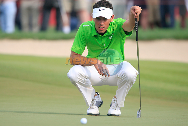 Charl Schwartzel lines up his putt on the 13th green during Day 3 Saturday of the Abu Dhabi HSBC Golf Championship, 22nd January 2011..(Picture Eoin Clarke/www.golffile.ie)