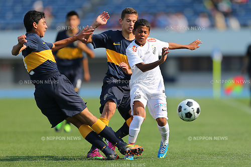 (L to R) O. Salomon (Boca), Bilu (Santos), .May 5, 2013 - Football / Soccer : .Tokyo International Youth Football (U-14) Tournament 2013, Final Match .between Boca Juniors 4-0 Santos FC .at Komazawa Olympic Park Athletic Field, Tokyo, Japan. .(Photo by Daiju Kitamura/AFLO SPORT)
