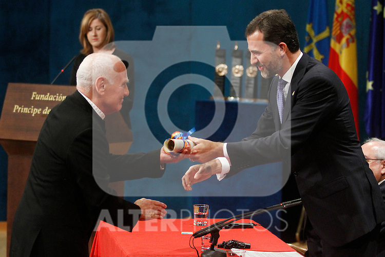 OVIEDO, Spain (22/10/2010).-  Prince of Asturias Awards 2010 Ceremony.  Richard Serra, Arts award....Photo: POOL / Robert Smith  / ALFAQUI