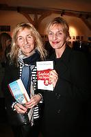"""SYLVIE BOURGEOIS HAREL & SOPHIE MOUNICOT - Dedicace de Sylvie Bourgeois Harel pour la sortie de son nouveau livre """"Sophie ‡ Saint Tropez"""""""