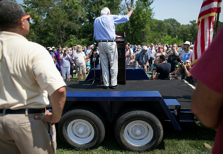 UNITED STATES - August 16: Sen. Bernie Sanders, D-Vt., speaks at the Scott County Democrats Picnic in the Park in Eldridge, Iowa, on Sunday, August 16, 2015. (Photo By Al Drago/CQ Roll Call)