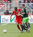 Nederland, Enschede, 29 april 2012.Eredivisie.Seizoen 2011-2012.FC Twente-Ajax.Theo Janssen (r.) van Ajax en Leroy Fer (l.) van FC Twente strijden om de bal