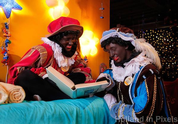 Zwarte Piet in Het Kasteel van Sinterklaas in Helmond.( Toestemming gekregen om de foto redactioneel te gebruiken)