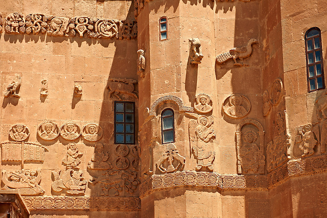 Bas Releif sculptures with scenes from the Bible on the outside of the 10th century Armenian Orthodox Cathedral of the Holy Cross on Akdamar Island, Lake Van Turkey 18b