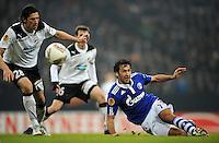 FUSSBALL   EUROPA LEAGUE   SAISON 2011/2012  SECHZEHNTELFINALE FC Schalke 04 - FC Viktoria Pilsen                          23.02.2012 Raul (re, FC Schalke 04) gegen Marian Csovsky (li, Pilsen)