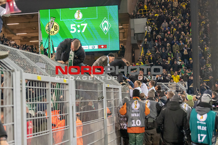 05.02.2019, Signal Iduna Park, Dortmund, GER, DFB-Pokal, Achtelfinale, Borussia Dortmund vs Werder Bremen<br /> <br /> DFB REGULATIONS PROHIBIT ANY USE OF PHOTOGRAPHS AS IMAGE SEQUENCES AND/OR QUASI-VIDEO.<br /> <br /> im Bild / picture shows<br /> <br /> Feature Anzeigentafel Endtand 5:7 <br /> <br /> Foto © nordphoto / Ewert
