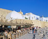 Tunisia, Cap Bon, Hammamet: Cafe scene outside the Medina | Tunesien, Cap Bon, Hammamet: Strassencafe ausserhalb der Medina