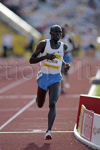 21 August 2005: Kenyan runner Shadrack Korir (KEN) running in the men's Two Miles at the Norwich Union British Grand Prix at the Don Valley Stadium, Sheffield Photo: Neil Tingle/Actionplus..050821 athlete athletics man male men