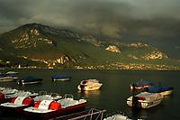 Europe/France/Rhône-Alpes/74/Haute-Savoie/Annecy: Lumière d'orage sur le lac d'Annecy