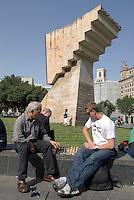 Spanien, Barcelona, Schachspieler an der Placa de Catalunya