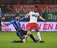 KV KORTRIJK - CLUB BRUGGE :<br /> tackle van Matej Mitrovic (L) op Ilombe Mboyo (R)<br /> <br /> Foto VDB / Bart Vandenbroucke