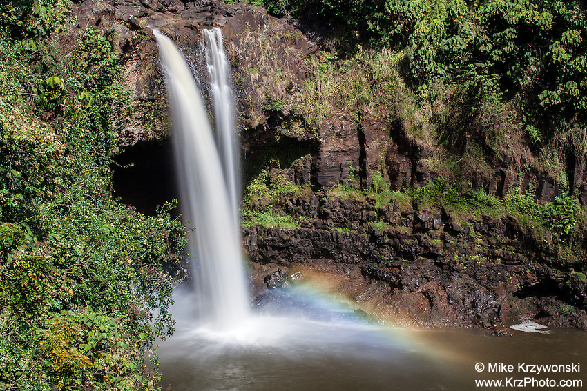 Rainbow Falls waterfall, Hilo, Big Island, Hawaii