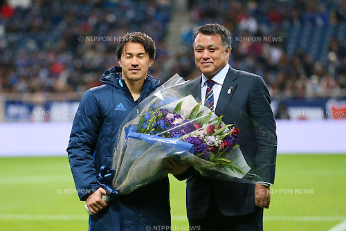 (L-R) Shinji Okazaki, Kozo Tashima (JPN), MARCH 29, 2016 - Football / Soccer : FIFA World Cup Russia 2018 Asian Qualifier Second Round Group E match between Japan 5-0 Syria at Saitama Stadium 2002 in Saitama, Japan. Okazaki was made captain for the night to celebrate his 100th cap for his country. He is Japan's third all-time goalscorer with 48 goals in his 100 games. (Photo by Yohei Osada/AFLO SPORT)