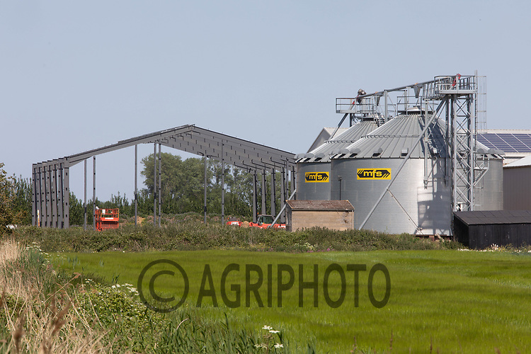 30.5.2020 New farm building under construction <br /> ©Tim Scrivener Photographer 07850 303986<br />      ....Covering Agriculture In The UK.
