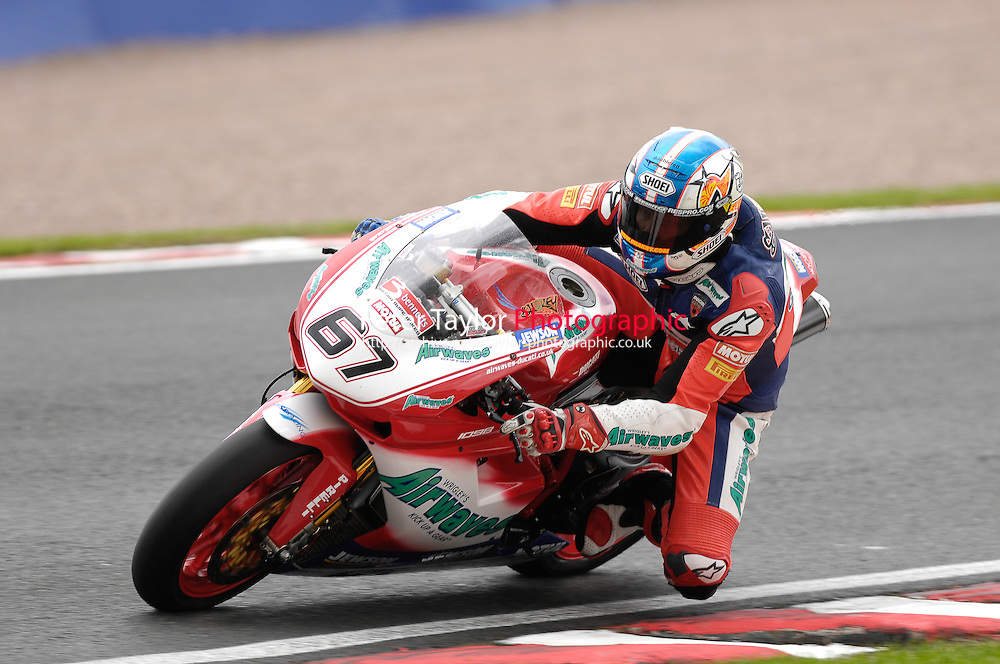 (67) - Shane Byrne (ENG) - Airwaves Ducati - Ducati 1098R.