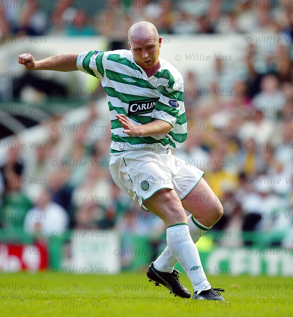 John Hartson, Celtic.stock season 2003-04..pic willie vass