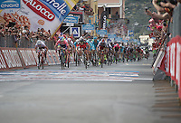 victory is close for Michael Matthews (AUS/Orica-GreenEDGE) in his magnolia rosa<br /> <br /> 2015 Giro<br /> stage 3: Rapallo - Sestri Levante (136km)