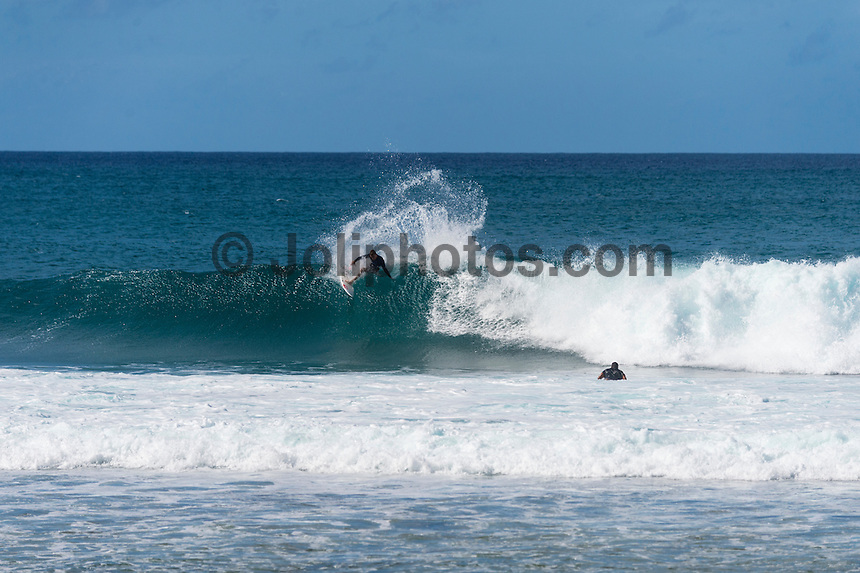 North Shore, Oahu, Hawaii (Tuesday, November 27, 2013) Matt Banting (AUS).–  The swell dropped overnight to 3'-4' from the North West. There were small waves at Off The Wall and Rocky Point  but the swell continued to drop during the day Photo: joliphotos.com