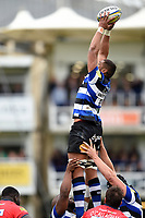 Taulupe Faletau of Bath Rugby wins the ball at a lineout. Aviva Premiership match, between Bath Rugby and Worcester Warriors on October 7, 2017 at the Recreation Ground in Bath, England. Photo by: Patrick Khachfe / Onside Images
