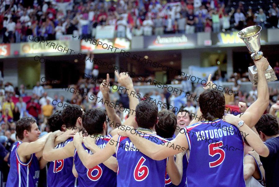 kosarka&amp;#xA;YUGOSLAVIA-ARGENTINA&amp;#xA;TOMASEVIC, KOTUROVIC, VUJANIC, Stojakovic, Cabarkapa&amp;#xA;INDIANAPOLIS, 08.09.2002.&amp;#xA;FOTO: SRDJAN STEVANOVIC<br />
