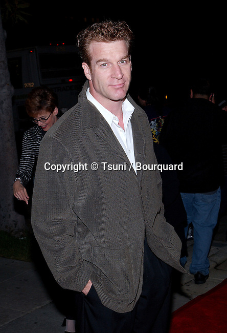 Kevin Kilner arriving at the Unexpeted Man at the Geffen Playhouse in Los Angeles.  September 19, 2001.   © Tsuni          -            KilnerKevin03.jpg