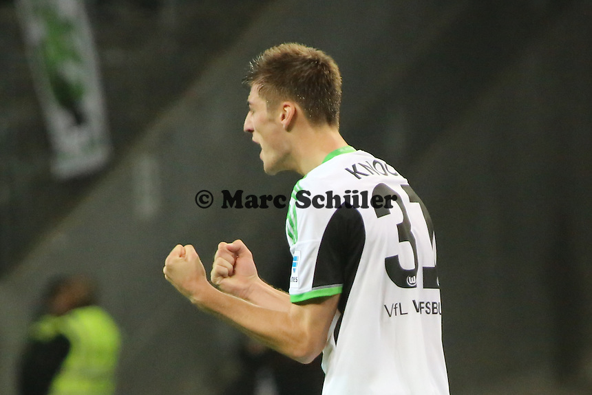Siegesjubel Robin Knoche (Wolfsburg) - Eintracht Frankfurt vs. VfL Wolfsburg, Commerzbank Arena