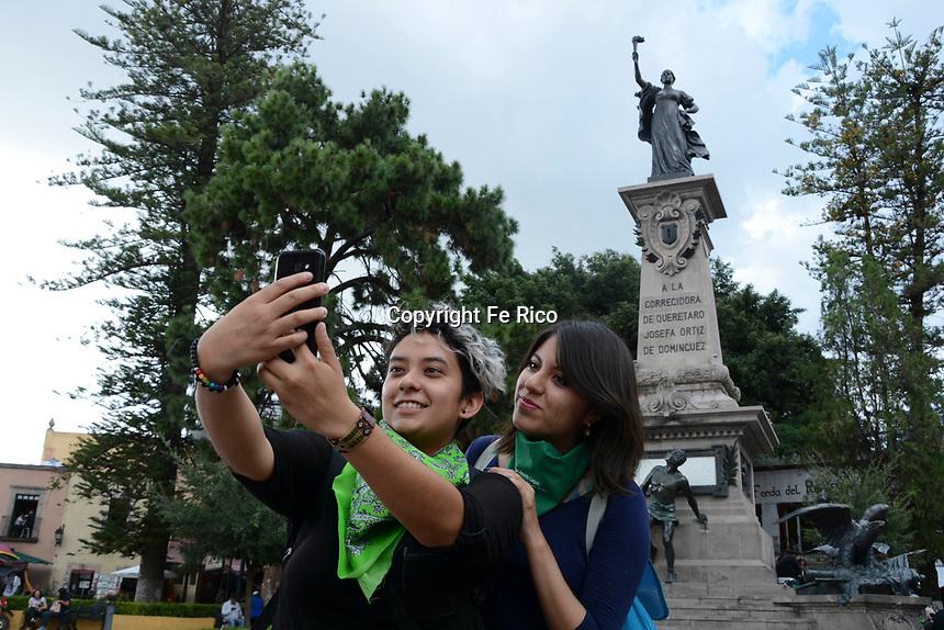 Querétaro, Qro. 8 de agosto de 2018.- Un grupo de activistas se concentró en la Plaza de la Corregidora para sumarse a la Campaña Nacional por el Derecho al Aborto Legal, seguro y gratuito.