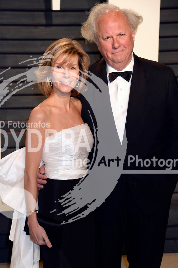 Anna Scott and Graydon Carter attend the 2017 Vanity Fair Oscar Party hosted by Graydon Carter at Wallis Annenberg Center for the Performing Arts on February 26, 2017 in Beverly Hills, California.