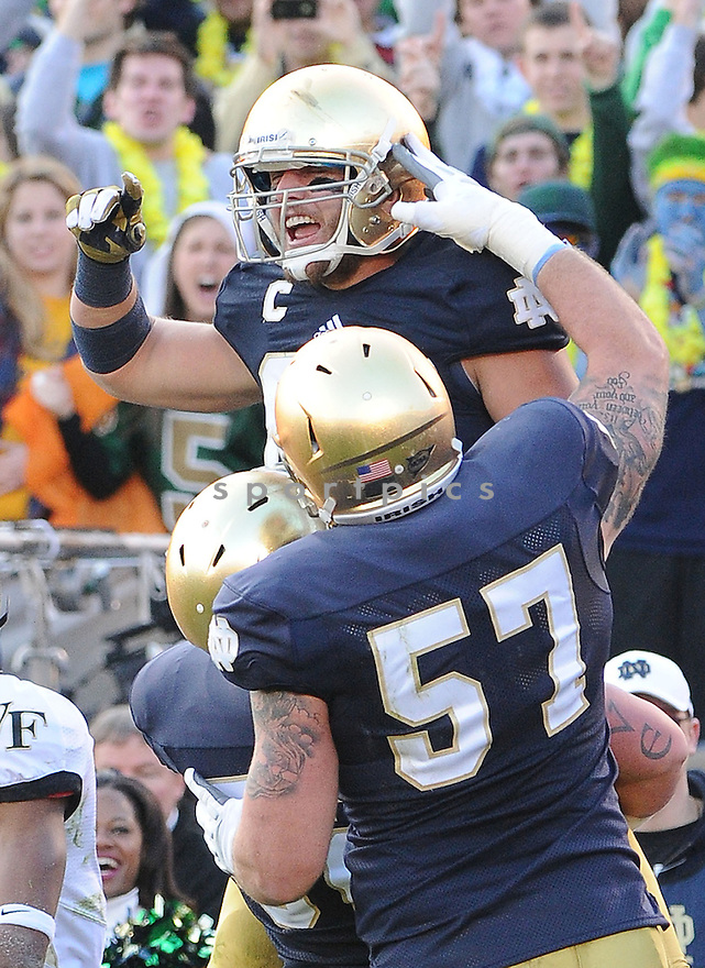 Notre Dame Fighting Irish Tyler Eifert (80) in action during a game against Wake Forest on November 17, 2012 at Notre Dame Stadium in South Bend, IN. Notre Dame beat Wake Forest 38-0.