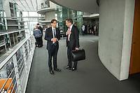 Am 2. Juni 2016 fand die 20. Sitzung des 2. NSU-Untersuchungsausschusses des Deutschen Bundestag statt. Als Zeuge der nichtöffentlichen Sitzung war Hans-Georg Maassen, Praesident des Bundesamt fuer Verfassungsschutz geladen.<br /> Im Bild: Hans-Georg Maassen (rechts) nach der Sitzung mit dem Ausschussmitglied Markus Beyer-Pollok (links).<br /> 2.6.2016, Berlin<br /> Copyright: Christian-Ditsch.de<br /> [Inhaltsveraendernde Manipulation des Fotos nur nach ausdruecklicher Genehmigung des Fotografen. Vereinbarungen ueber Abtretung von Persoenlichkeitsrechten/Model Release der abgebildeten Person/Personen liegen nicht vor. NO MODEL RELEASE! Nur fuer Redaktionelle Zwecke. Don't publish without copyright Christian-Ditsch.de, Veroeffentlichung nur mit Fotografennennung, sowie gegen Honorar, MwSt. und Beleg. Konto: I N G - D i B a, IBAN DE58500105175400192269, BIC INGDDEFFXXX, Kontakt: post@christian-ditsch.de<br /> Bei der Bearbeitung der Dateiinformationen darf die Urheberkennzeichnung in den EXIF- und  IPTC-Daten nicht entfernt werden, diese sind in digitalen Medien nach §95c UrhG rechtlich geschuetzt. Der Urhebervermerk wird gemaess §13 UrhG verlangt.]