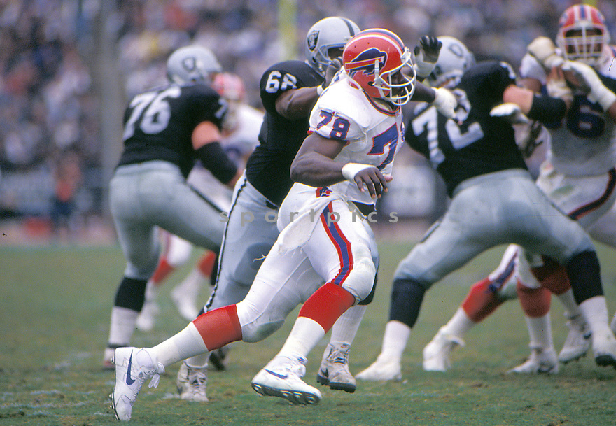 Buffalo Bills Bruce Smith(78) in action during a game against the Los Angeles Raiders at Los Angeles Memorial Coliseum in Los Angeles, California on December 8, 1991.  The Bills beat the Raiders 30-27. Bruce Smith played for 19 years with 2 different teams and was inducted to the Pro Football Hall of Fame in 2009.David Durochik/SportPics