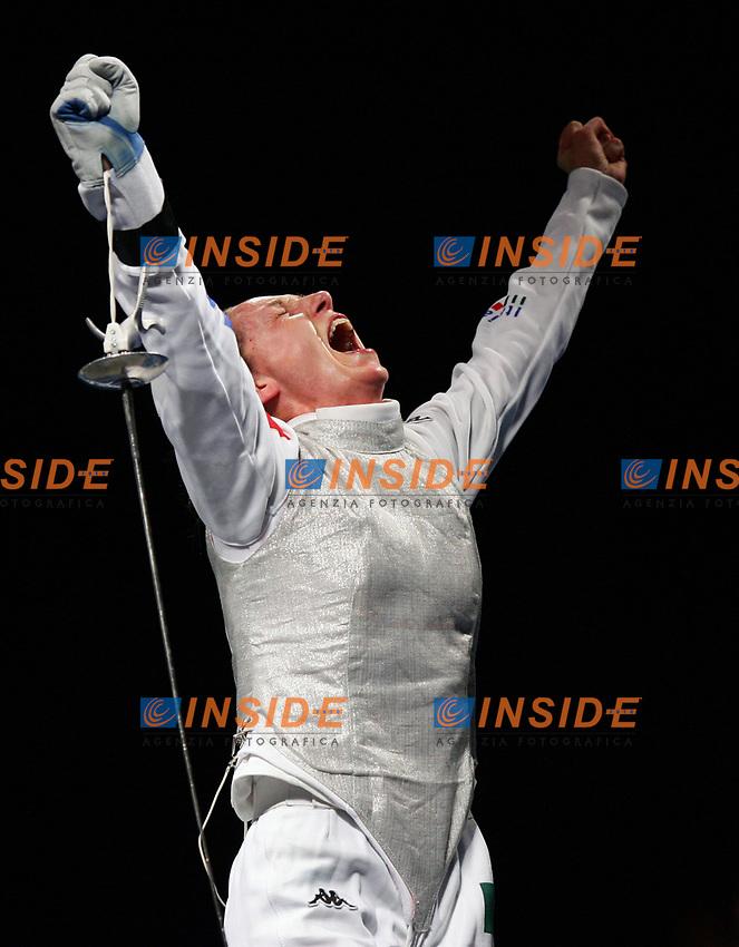 Esultanza di Maria Valentina Vezzali dopo la conquista della medaglia d'oro nel Fioretto<br /> Fencing Hall - Scherma<br /> Pechino - Beijing 11/8/2008 Olimpiadi 2008 Olympic Games<br /> Foto Andrea Staccioli Insidefoto