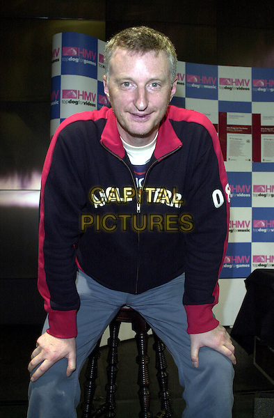 BILLY BRAGG .HMV Oxford Street, London.posing.www.capitalpictures.com.sales@capitalpictures.com.© Capital Pictures.