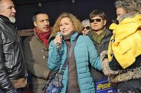- Milano, 5 dicembre 2017, protesta dei sindacati all'IKEA di Corsico per i licenziamenti ingiustificati; Marika Ricutti, madre separata, al lavoro da 17 anni, licenziata dopo avere chiesto una modifica di orario per poter assistere i due figli, di cui uno invalido.