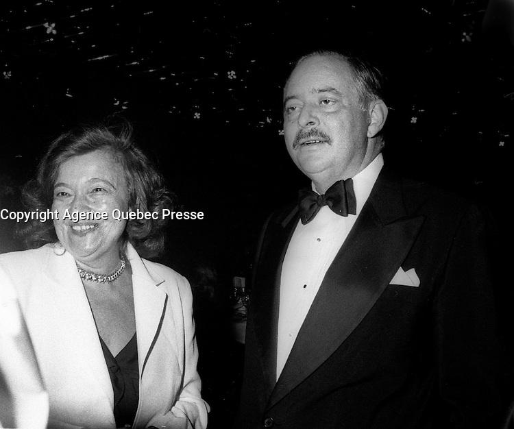 La soiree des ambassadeurs au Palais des congr&egrave;s de Montr&eacute;al, le 18 septembre 1985.<br /> <br /> PHOTO : Pierre Roussel -  Agence Quebec Presse