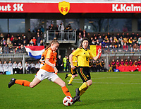 20200226 Kalmthout, BELGIUM : Dutch Tess van Bentem (2) and Belgian Debby Coenraets (16) are in action during the international friendly soccer match between the national youth Women Under 17 teams of Belgium and the Netherlands, a friendly game in preparation for the UEFA Elite rounds in March in Belgium for the Belgian team, Wednesday 26th of February 2020 at Sportpark Heikant in Kalmthout, BELGIUM. PHOTO: SPORTPIX.BE | Sevil Oktem