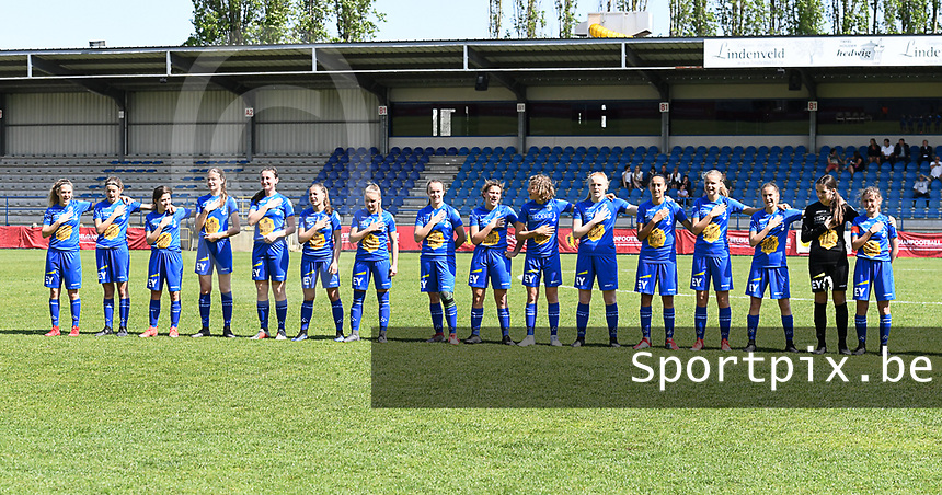 20190422 - Denderleeuw , BELGIUM : AA Gent U16  pictured for the teampicture during the Under 16 final of Belgian cup 2019 , a soccer women game between AA Gent Ladies B and The Yellow Flames 1.0  , in the  Van Roystadion in Denderleeuw , Monday 22 th April 2019 . PHOTO SPORTPIX.BE | DAVID CATRY