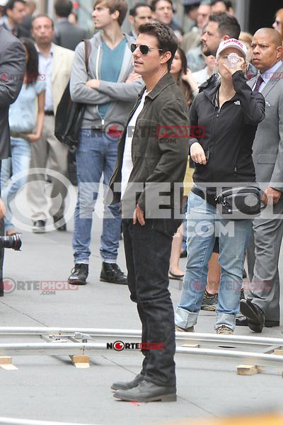 June 12, 2012:  Tom Cruise shooting on location for Oblivion in New York City. © RW/MediaPunch Inc. NORTEPHOTO.COM<br /> NORTEPHOTO.COM
