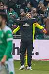 13.04.2019, Weser Stadion, Bremen, GER, 1.FBL, Werder Bremen vs SC Freiburg, <br /> <br /> DFL REGULATIONS PROHIBIT ANY USE OF PHOTOGRAPHS AS IMAGE SEQUENCES AND/OR QUASI-VIDEO.<br /> <br />  im Bild<br /> Florian Kohfeldt (Trainer SV Werder Bremen) bedankt sic h nach dem spiel bbei Stefanos Kapino (Werder Bremen #27)<br /> <br /> <br /> Foto &copy; nordphoto / Kokenge