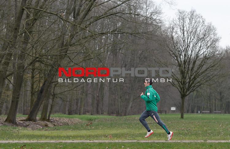 07.04.2015, B&uuml;rgerpark, Bremen, GER, 1.FBL, Training Werder Bremen, im Bild Fin Bartels (Bremen #22)<br /> <br /> Foto &copy; nordphoto / Frisch
