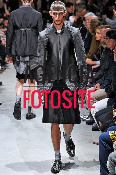 Paris, Fran&ccedil;a &ndash; 28/06/2013 - Desfile de Comme des Garcons durante a Semana de moda masculina de Paris  -  Verao 2014. <br /> Foto: Zeppelin/FOTOSITE