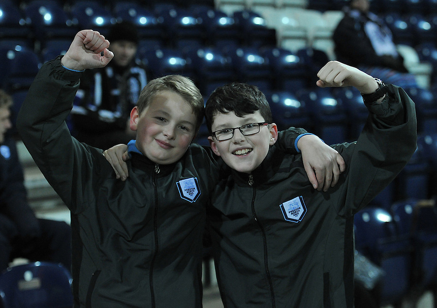Fans<br /> <br /> Photographer Dave Howarth/CameraSport<br /> <br /> Football - The Football League Sky Bet League One - Preston North End v Yeovil Town - Tuesday 20th January 2015 - Deepdale - Preston<br /> <br /> &copy; CameraSport - 43 Linden Ave. Countesthorpe. Leicester. England. LE8 5PG - Tel: +44 (0) 116 277 4147 - admin@camerasport.com - www.camerasport.com