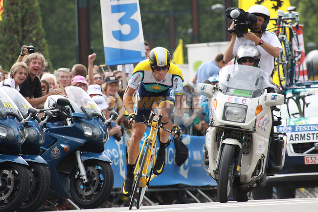 Lance Armstrong starts the last time trial stage of the 2009 Tour de France at Annecy, 23rd July 2009 (Photo by Manus OReilly/NEWSFILE)