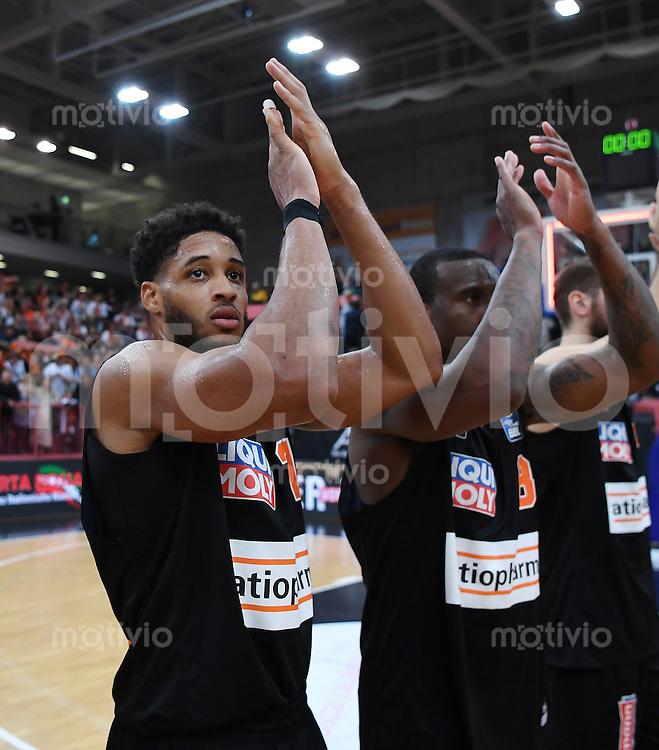 Basketball  1. Bundesliga  2016/2017  Hauptrunde  12. Spieltag  04.12.2016 Walter Tigers Tuebingen - ratiopharm Ulm JUBEL Ulm; Augustine Rubit (li) und Raymar Morgan (re)