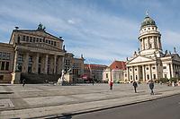 Die Auswirkungen der Corona-Krise sind zwei Tage nach Inkrafttreten der Anordnung des Senats, wonach Cafes, Kneipen, Museen, Ausstellungen, die Oper, die Universitaeten geschlossen wurden, im oeffentlichen Leben sichtbar. Bei Touristen beliebte Ausflugsziele und Plaetze sind verwaist.<br /> Im Bild: Der Gendarmenmarkt in Berlin-Mitte ist fast menschenleer.<br /> 16.3.2020, Berlin<br /> Copyright: Christian-Ditsch.de<br /> [NUR FUER REDAKTIONELLE ZWECKE! Werbung nur auf Anfrage beim Fotografen. Inhaltsveraendernde Manipulation des Fotos nur nach ausdruecklicher Genehmigung des Fotografen. Vereinbarungen ueber Abtretung von Persoenlichkeitsrechten/Model Release der abgebildeten Person/Personen liegen nicht vor. NO MODEL RELEASE! Don't publish without copyright Christian-Ditsch.de, Veroeffentlichung nur mit Fotografennennung, sowie gegen Honorar, MwSt. und Beleg. Konto: I N G - D i B a, IBAN DE58500105175400192269, BIC INGDDEFFXXX, Kontakt: post@christian-ditsch.de<br /> Bei der Bearbeitung der Dateiinformationen darf die Urheberkennzeichnung in den EXIF- und  IPTC-Daten nicht entfernt werden, diese sind in digitalen Medien nach §95c UrhG rechtlich geschuetzt. Der Urhebervermerk wird gemaess §13 UrhG verlangt.]