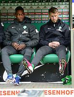 FUSSBALL   1. BUNDESLIGA   SAISON 2012/2013    26. SPIELTAG SV Werder Bremen - Greuther Fuerth                        16.03.2013 Eljero Elia (li) und Aaron Hunt (re, beide SV Werder Bremen) sitzen zu Beginn des Spiels nur auf der Ersatzbank