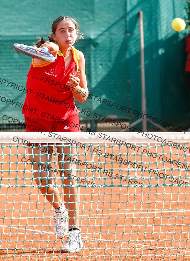 Tenis, World Championship U-14.Spain-China, girls.Sara Sorribes and Maria Jose Luque Vs. Yi Hong Li and Qiuyu Ye.Sara Sorribes, returnes.Prostejov, 02.08.2010..foto: Srdjan Stevanovic/Starsportphoto ©
