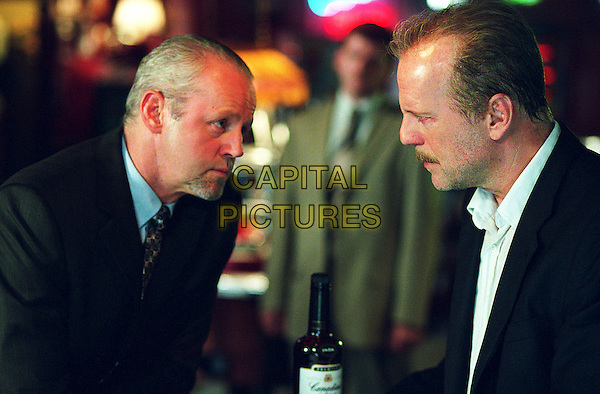 DAVID MORSE & BRUCE WILLIS.in 16 Blocks.*Editorial Use Only*.www.capitalpictures.com.sales@capitalpictures.com.Supplied by Capital Pictures.